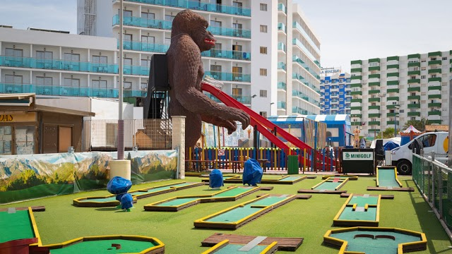 El mono de este parque de ocio ya no forma parte de los juegos de sus visitantes.