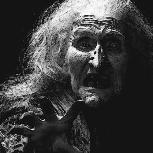 Cara de una bruja aterrada