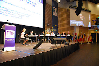 Photo: Reports by the General Rapporteurs regarding the Results of the Three Working Groups  Moderator: • Mr Koen Lenaerts, Professor and Vice-President of the Court of Justice of the European Union  Rapporteurs: • General Rapporteur: Mr Fabian Amtenbrink, Professor at the Erasmus University of Rotterdam • Joint General Rapporteurs: Ms Niamh Nic Shuibhne, Professor at the University of Edinburgh, and Ms Jo Shaw, Professor at the University of Edinburgh • General Rapporteur: Mr Roberto Caranta, Professor at the University of Turin