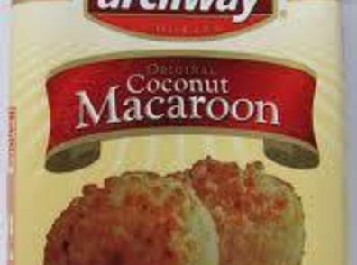 Crumble macaroons and set aside. You can use homemade macaroons or store bought, Archway...