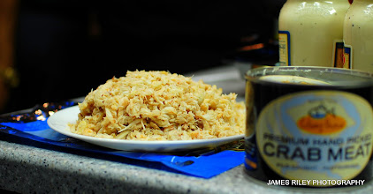 Photo: Get the crab meat ready by cleaning it and putting on a plate in a mound.