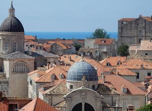 Photo: Op de voorgrond: de St. Blasiuskerk (Crkva sv. Vlaha). Links de kathedraal Uznesenja Marijina