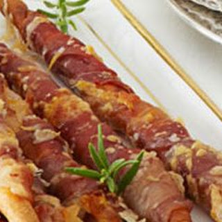 Prosciutto-Wrapped Breadsticks Recipe