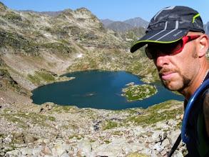 Photo: Verso il Col des Gourgs Blancs, guardando al Lac d'Isclots.