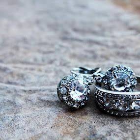 by Hayley Onselen - Wedding Details ( wedding, rings )