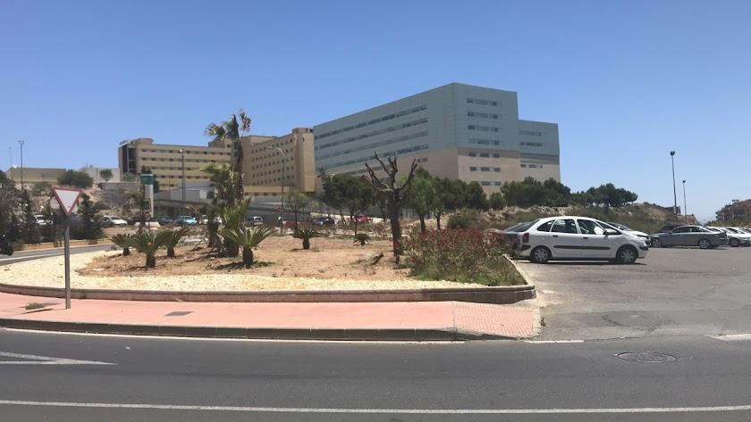 Así está ahora la entrada al complejo hospitalario