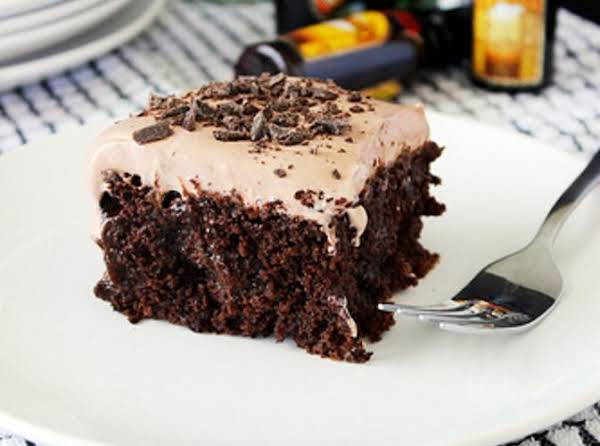 Adults-only Mudslide Poke Cake