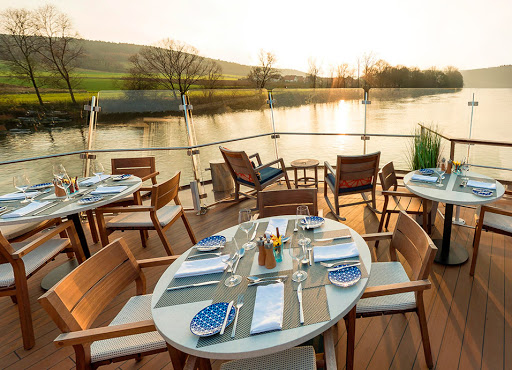 Viking-Aquavit-Terrace.jpg - Dine outside and take in sweeping river views at the Aquavit Terrace on your Viking Longship.