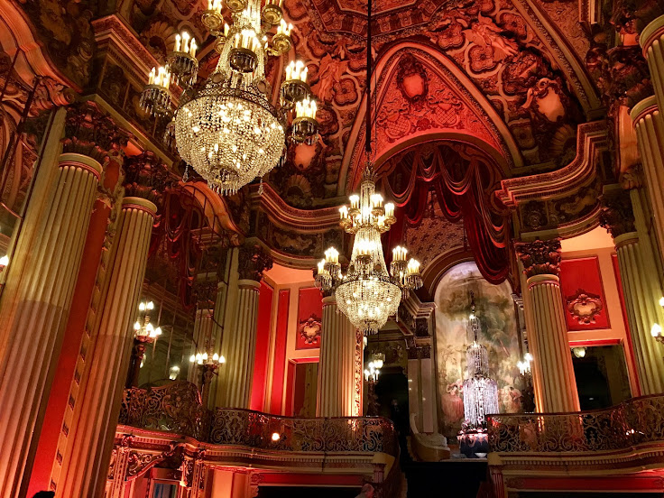 The opulent lobby of the Los Angeles Theater.