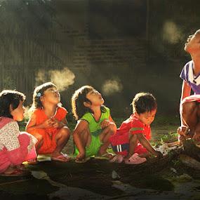 uap pagi hari by Ramadhan Bagaskara Arya Parmuka - People Group/Corporate ( uap )