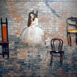 by Kelley Hurwitz Ahr - Digital Art People ( houston studio )