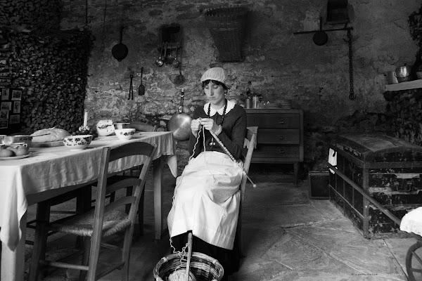 Far maglia ... attendendo di far cena  di sandro5845