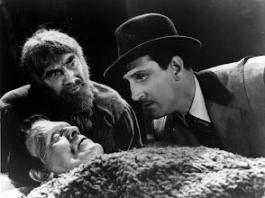 """Photo: Karloff, Lugosi e Basil Rathbone em """"O Filho de Frankenstein"""" (1939). http://filmesclassicos.podbean.com"""
