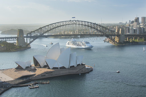 Seven-Seas-Voyager-in-Sydney-Harbor.jpg - Take in the sights of Sydney, Australia, on Regent Seven Seas Voyager.