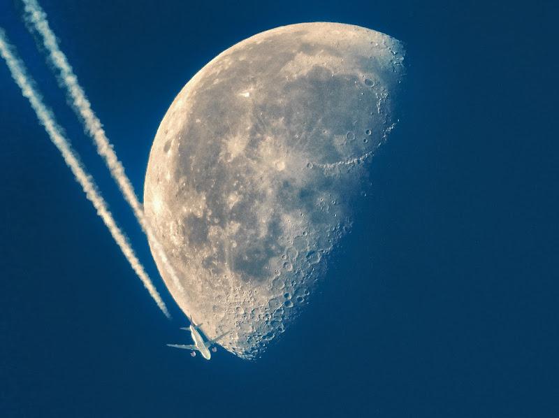 Viaggio verso la luna  di Capirizzo