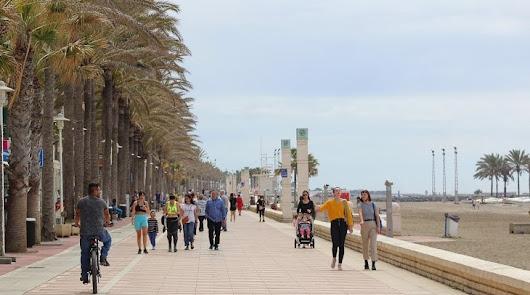 El verano se deja notar en Almería con temperaturas de hasta 34 grados