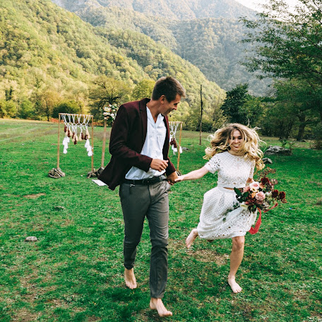 Wedding photographer Yuliya Kamenskaya (JULJUL). Photo of 10.02.2018