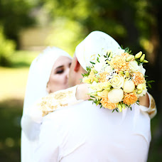Wedding photographer Razina Rakhmangulova (razina). Photo of 10.08.2018