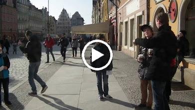 Video: start van de dwergenspeurtocht
