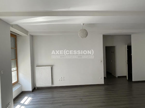 Vente divers 16 pièces 480 m2