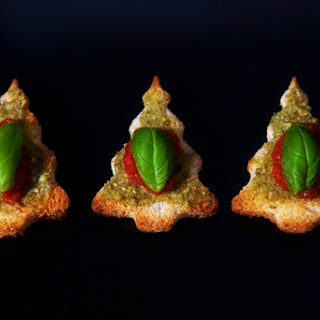 Vegan Bruschetta - Christmas Tree Canapés!