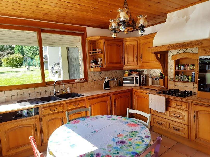 Vente maison 6 pièces 135.3 m² à Le Cateau-Cambrésis (59360), 162 000 €