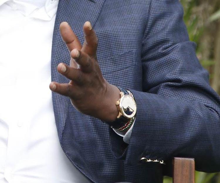 KkhlU71iIxjsfKJaCkEIEOWOH EEUdQSM73VuKOW OYLoyZo QB5AB8ICsfPywT1boamhjjNs1lpTozVIg2xp x xinbgw=s750 - Presidential Fashion! Uhuru Kenyatta has a taste for the finest things
