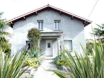 Maison 7 pièces 166 m2