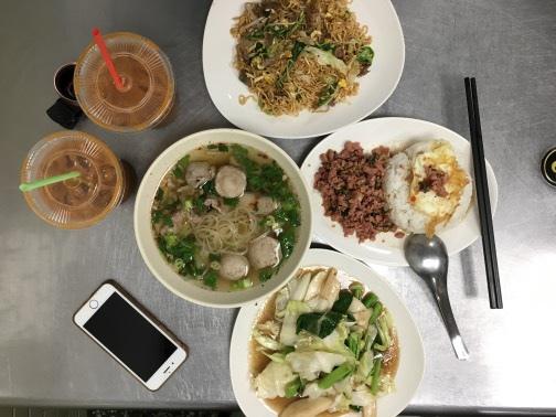 老麵攤傳統泰式料理好味道跟著食尚玩家訪巷弄