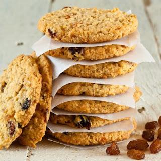Perfect Subway Copycat Oatmeal Raisin Cookies.