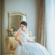 Wedding photographer Oksana Benyaminova (Anasko). Photo of 04.12.2013