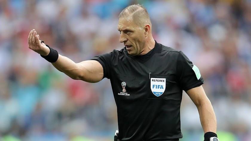 Un árbitro de plenas garantías para la FIFA.