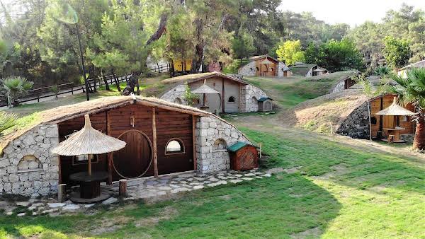 Olimpos Hobbit Köyü