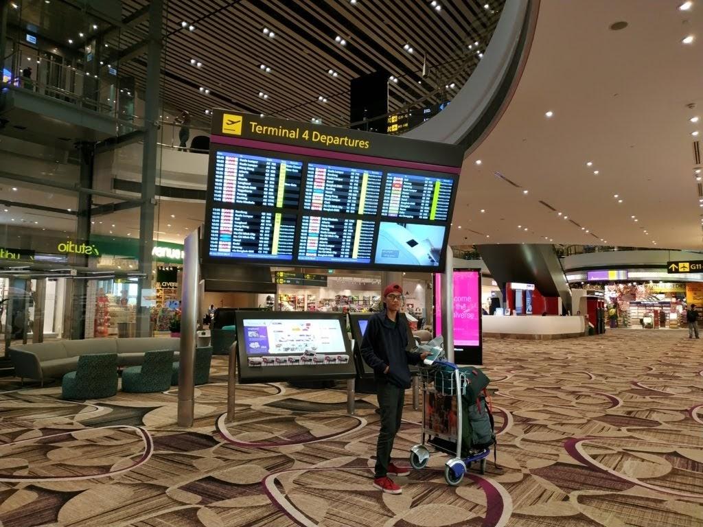 Terminal 4 bandara changi