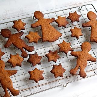 Healthy Vegan Gingerbread Biscuits.