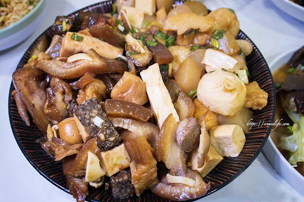 滷味的價格、鐵板燒的食材,雞睪丸、牛鞭、澎湖小卷、日本干貝通通都能滷.美鳳滷味