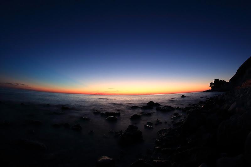 il mare, il monte e il rosso dell'alba di marcophoto