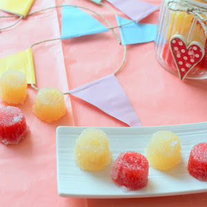 Apple and Strawberry Agar Jelly