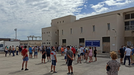 Los pescadores alzan la voz contra el nuevo proyecto para el Puerto