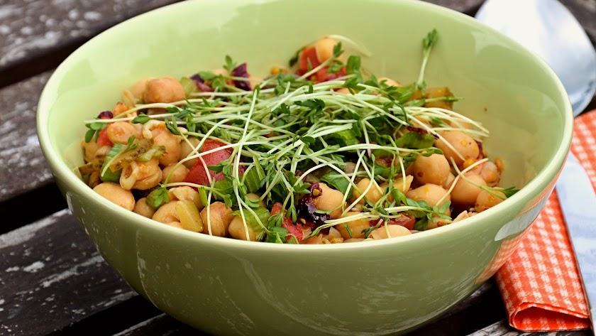 Los garbanzos, protagonistas en nuestro menú saludable de hoy.