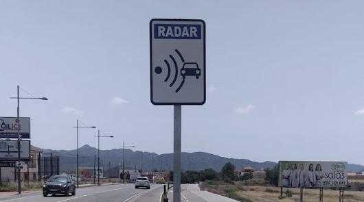 Un nuevo radar fijo de velocidad marca la campaña de control de la Policía Local
