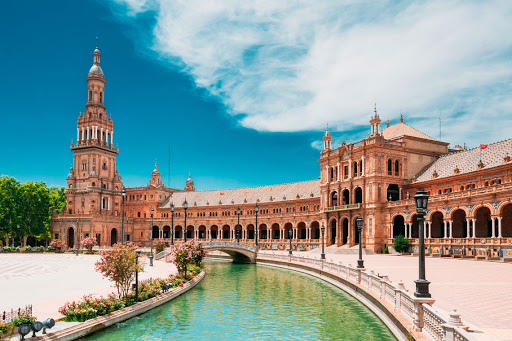 SEVILLE AT YOUR FEET