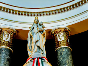 Photo: Máriának a magyarság patrónájaként való tisztelete már Szent István felajánlásával elkezdődött, azonban ezt évszázadokon át Nagyboldogasszony napján ünnepeltük.