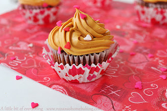 Photo: http://www.roxanashomebaking.com/chocolate-cupcakes-and-dulce-de-leche-frosting-recipe/