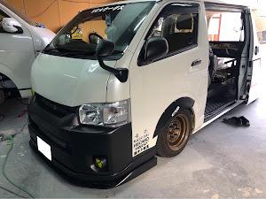 ハイエースバン TRH200V SUPER GL 2018年式のカスタム事例画像 keiji@黒バンパー愛好会さんの2019年12月21日22:07の投稿