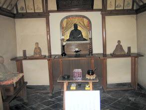 Photo: 中央に芭蕉 左右に丈屮、去来木像 側面に蝶夢法師 by FM
