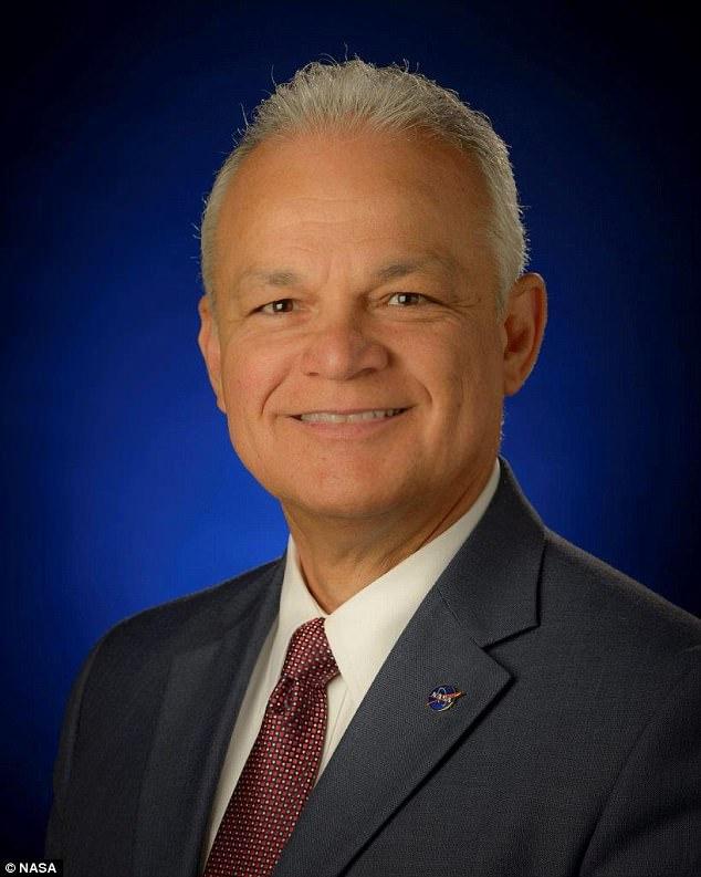 Chuyên gia về công nghệ của NASA - tiến sĩ Douglas Terrier