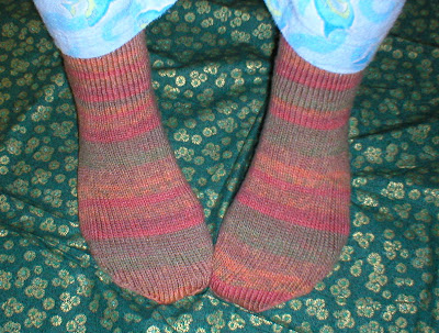 Free Knitting Patterns For Socks Using Circular Needles : EASY SOCK KNITTING PATTERN 2 NEEDLES   KNITTING PATTERN