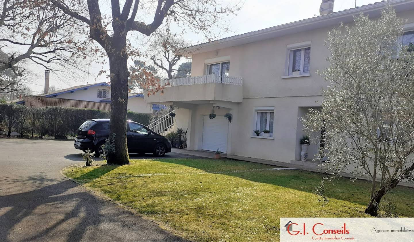 House with pool and terrace Andernos-les-Bains