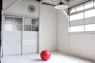 Photo: #0004 唯一の装飾は自然光、という部屋